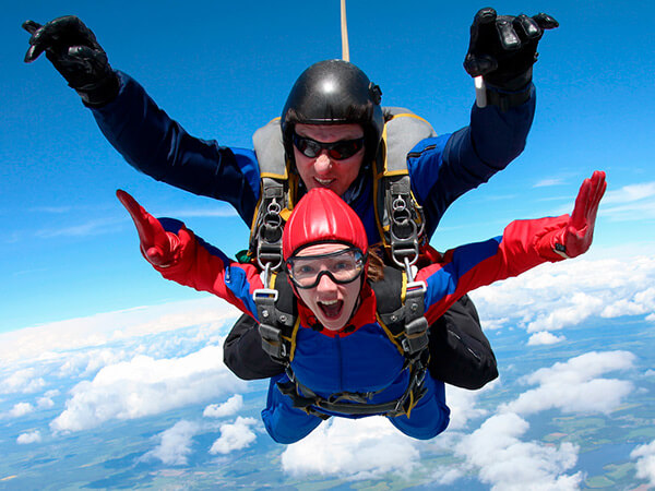 Kanpai Tourisme - Skydiving