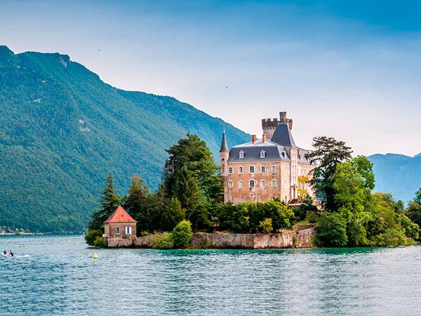 Kanpai Tourisme - Annecy & Its Lake