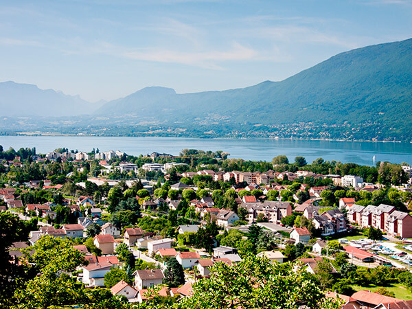 Kanpai Tourisme - Aix-les-Bains & Its Lakes