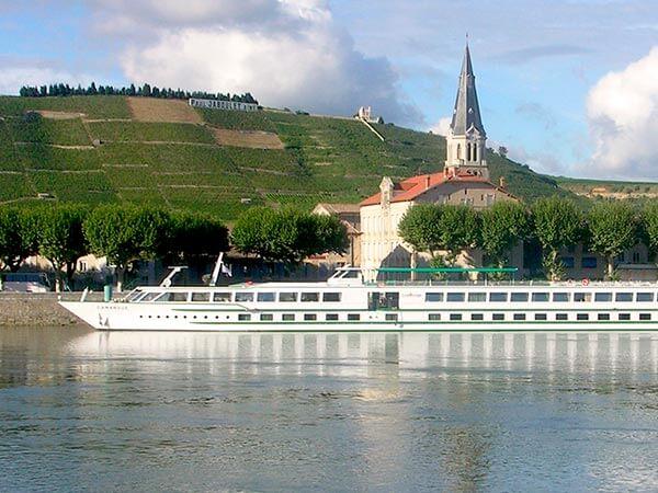 Kanpai Tourisme - River Cruise Passengers