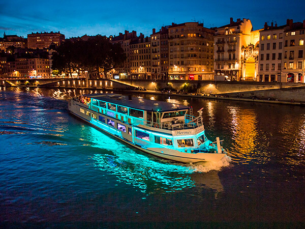 Kanpai Tourisme - Saône River Cruise Dinner
