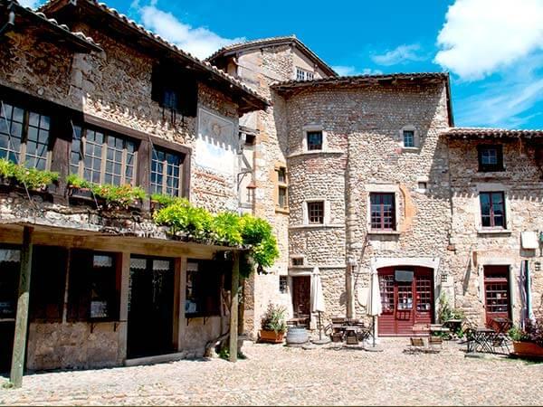 Kanpai Tourisme - Medieval Town