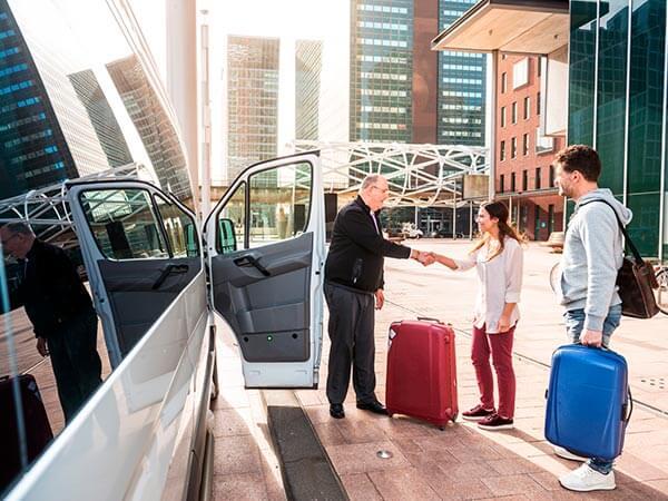 Kanpai Tourisme - 8 Seater Minibus