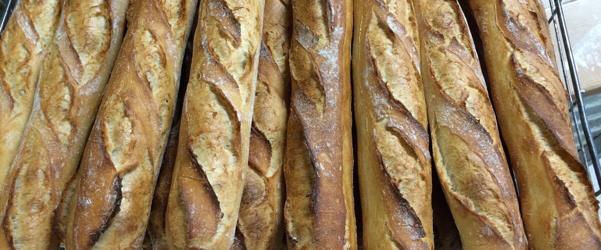 french baguette beaujolais