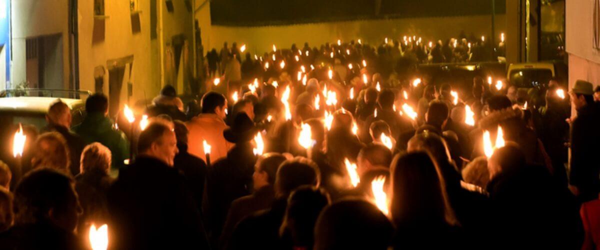 beaujolais-nouveau-torch-procession