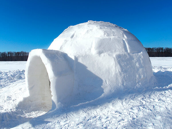 Kanpai Tourisme - Igloo Building